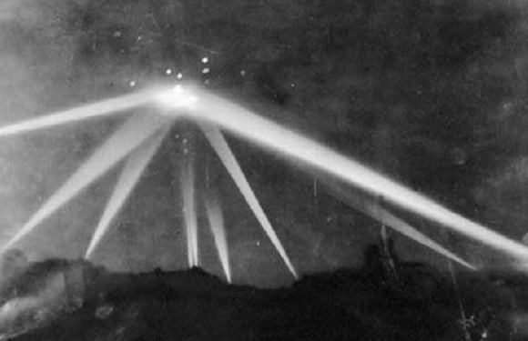 Battle Of Los Angeles: Shocking UFO Sighting That Left Victims Behind