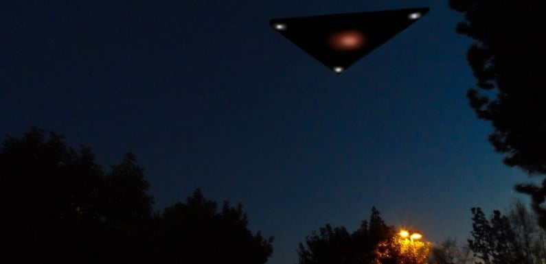 Conspiracy Theorists Claim That Flying UFO Was Spotted In Russia!