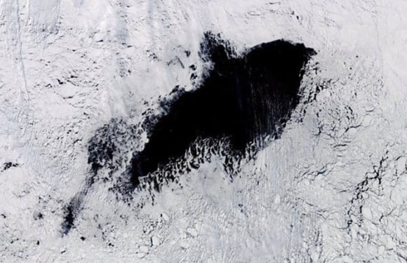 Scientists Can't Explain The Appearance Of This Massive Hole In Antarctica