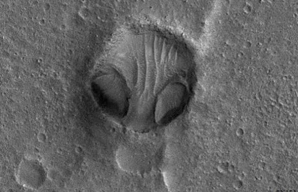 Alien Face In NASA Image Might Prove Alien Civilizations Used To Carve Rocks On Mars
